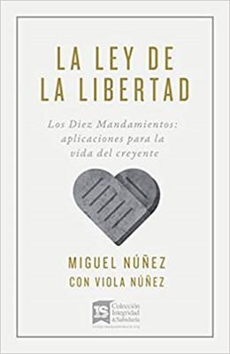 LA LEY DE LA LIBERTAD (Rústica)